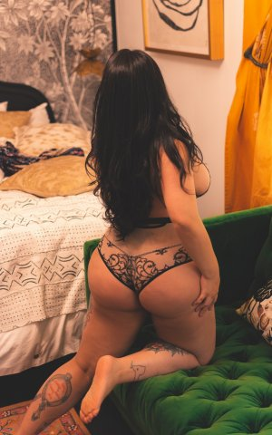 Annalia live escorts in Rossville