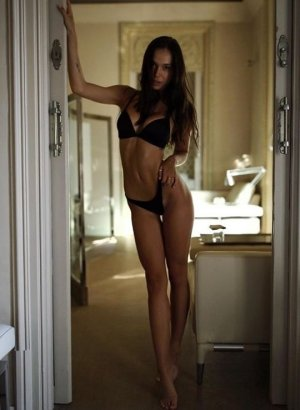 Venussia outcall escort in West Chester & sex clubs